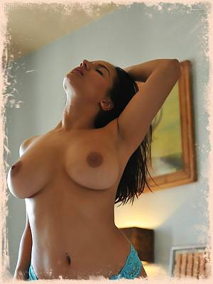 Lacey Banghard Online ; Free Sample Pics