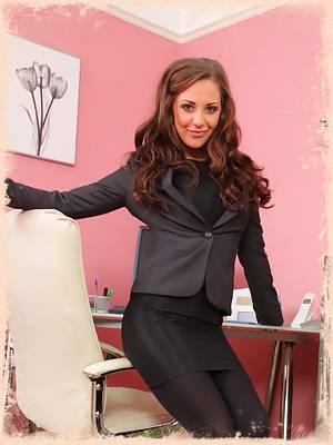 Sesnsational secretary Daisy in black layered nylons
