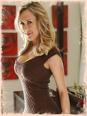 After manipulating her stepson (Chad Alva) into buying her (Brandi Love) a new pair of shoes each week, a woman decides that seduction is the ultimate payback for his generosity.
